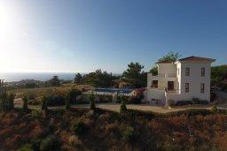 Фасад дома. Кипр, Помос : Роскошная вилла с бассейном и видом на море, 4 спальни, 5 ванных комнат, барбекю, парковка, Wi-Fi