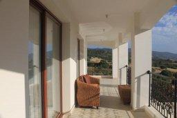 Балкон. Кипр, Помос : Роскошная вилла с бассейном и видом на море, 4 спальни, 5 ванных комнат, барбекю, парковка, Wi-Fi