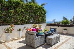 Патио. Кипр, Каппарис : Роскошная вилла с бассейном и двориком с барбекю, 100 метров до пляжа, 3 спальни, 3 ванные комнаты, парковка, Wi-Fi