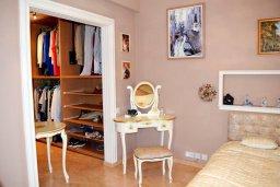 Спальня. Кипр, Нисси Бич : Вилла в комплексе с бассейном, 4 спальни, 2 ванные комнаты, парковка, Wi-Fi