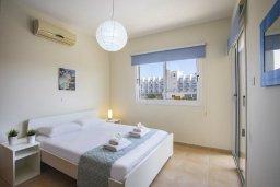 Спальня. Кипр, Пернера : Новая комфортабельная вилла с 3-мя спальнями, 2-мя ванными комнатами, с частным двориком с патио и барбекю