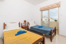 Спальня 2. Кипр, Каппарис : Прекрасная вилла с бассейном и зеленым двориком с барбекю, 3 спальни, 3 ванные комнаты, парковка, Wi-Fi