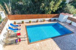 Бассейн. Кипр, Пернера : Прекрасная вилла с бассейном и двориком с барбекю, 3 спальни, 3 ванные комнаты, парковка, Wi-Fi