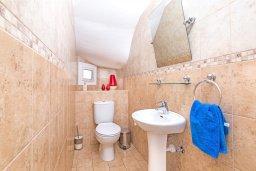 Ванная комната 3. Кипр, Пернера : Прекрасная вилла с бассейном и двориком с барбекю, 3 спальни, 3 ванные комнаты, парковка, Wi-Fi