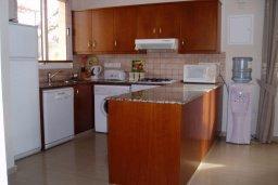 Кухня. Кипр, Ионион - Айя Текла : Уютная вилла с бассейном и двориком с барбекю, 3 спальни, 2 ванные комнаты, парковка, Wi-Fi