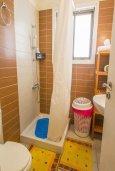Ванная комната. Кипр, Центр Айя Напы : Апартамент в комплексе с бассейном, с гостиной, двумя спальнями и балконом