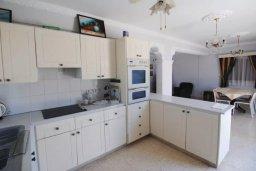 Кухня. Кипр, Декелия - Пила : Двухэтажный дом с приватным двориком, 3 спальни, 2 ванные комнаты, барбекю, парковка, Wi-Fi