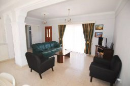 Гостиная. Кипр, Декелия - Пила : Двухэтажный дом с приватным двориком, 3 спальни, 2 ванные комнаты, барбекю, парковка, Wi-Fi