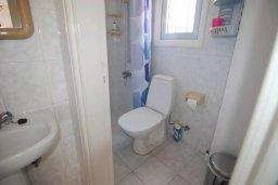Ванная комната. Кипр, Декелия - Пила : Двухэтажный дом с приватным двориком, 3 спальни, 2 ванные комнаты, барбекю, парковка, Wi-Fi