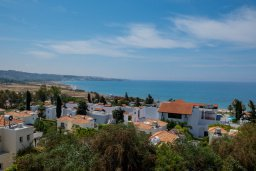 Вид на море. Кипр, Корал Бэй : Роскошная вилла с бассейном и видом на море, 3 спальни, 3 ванные комнаты, парковка, Wi-Fi