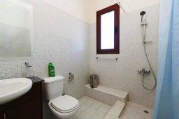 Ванная комната. Кипр, Друсхия : Прекрасная вилла с бассейном и приватным двориком, 3 спальни, 3 ванные комнаты, парковка, Wi-Fi