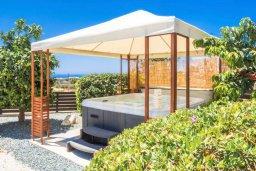 Территория. Кипр, Пейя : Очаровательная вилла с видом на Средиземное море и горы, с 3-мя спальнями, 2-мя ванными комнатами, с бассейном и зелёным двориком с джакузи, патио и барбекю
