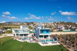 Кипр, Киссонерга : Элитная вилла с роскошным панорамным видом на море, с 6-ю спальнями, 5-ю ванными комнатами, бассейном, джакузи и бильярдом, расположена на берегу моря в нескольких минутах ходьбы от пляжа
