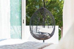 Спальня. Кипр, Пейя : Прекрасная вилла с видом на побережье, с 4-мя спальнями, 2-мя ванными комнатами, с бассейном и джакузи, патио и барбекю