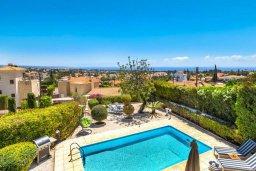 Бассейн. Кипр, Пейя : Потрясающая вилла с 4-мя спальнями, 3-мя ванными комнатами, бассейном, патио и барбекю, расположена на склоне холма над Coral Bay