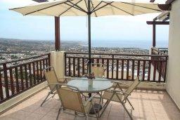 Балкон. Кипр, Пейя : Апартамент в комплексе с бассейном, с гостиной, двумя спальнями и балконом с видом на море