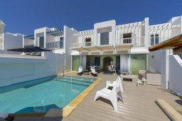 Фасад дома. Кипр, Фиг Три Бэй Протарас : Современная, комфортабельная и роскошная вилла с 2-мя спальнями, 3-мя ванными комнатами, бассейном, патио и барбекю