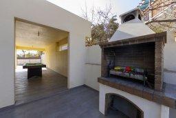 Территория. Кипр, Фиг Три Бэй Протарас : Прекрасная вилла с 4-мя спальнями, 2-мя ванными комнатами, бассейном, тенистой террасой, патио и барбекю, расположена в 100 метрах от пляжа