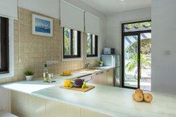 Кухня. Кипр, Санрайз Протарас : Очаровательная вилла с 3-мя спальнями, 2-мя ванными комнатами, просторным частным садом, бассейном, патио и барбекю, расположена в самом центре Протараса
