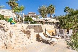 Территория. Кипр, Корал Бэй : Роскошная вилла с невероятным панорамным видом на море, с 7-ю спальнями, 7-ю ванными комнатами, бассейном, джакузи, зелёным садом, барбекю, бильярд, расположена в самом сердце Coral Bay