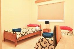 Спальня 2. Кипр, Ларнака город : Апартамент с гостиной, двумя спальнями и балконом