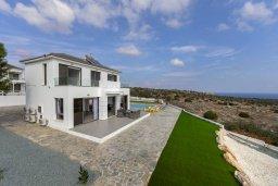 Фасад дома. Кипр, Санрайз Протарас : Современная вилла с панорамным видом на Средиземное море, с 3 спальнями, бассейном, солнечной террасой с патио и барбекю, расположена в тихом идеалистическом месте на холмах мыса Cape Greco