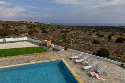 Бассейн. Кипр, Санрайз Протарас : Современная вилла с панорамным видом на Средиземное море, с 3 спальнями, бассейном, солнечной террасой с патио и барбекю, расположена в тихом идеалистическом месте на холмах мыса Cape Greco