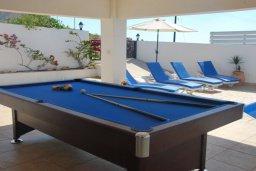 Развлечения и отдых на вилле. Кипр, Помос : Прекрасная вилла в 50 метрах от пляжа, с бассейном и двориком с барбекю, 5 спален, 4 ванные комнаты, бильярд, парковка, Wi-Fi