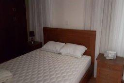 Спальня. Кипр, Перволия : Прекрасная вилла в 50 метрах от пляжа с бассейном и зеленым двориком с барбекю, 4 спальни, 3 ванные комнаты, парковка, Wi-Fi