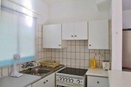 Кухня. Кипр, Декелия - Ороклини : Мезонет в 100 метрах от пляжа с гостиной, двумя спальнями и террасой