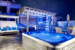 Развлечения и отдых на вилле. Кипр, Фиг Три Бэй Протарас : Роскошная современная вилла с 7-ю спальнями, с бассейном, сауной, джакузи и собственным баром на крыше с прекрасным видом на Средиземное море, расположена около пляжа Fig Tree Bay
