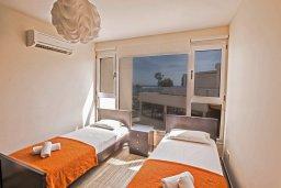 Спальня 2. Кипр, Фиг Три Бэй Протарас : Потрясающий апартамент с двумя спальнями, двумя ванными комнатами и балконом с шикарным видом на море, расположен в комплексе с бассейном всего в нескольких метрах от знаменитого пляжа Fig Tree Bay