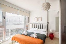 Спальня. Кипр, Фиг Три Бэй Протарас : Апартамент с двумя спальнями, двумя ванными комнатами и балконом с шикарным видом на море, расположен в комплексе с бассейном всего в нескольких метрах от знаменитого пляжа Fig Tree Bay