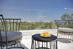 Вид. Кипр, Пернера Тринити : Потрясающая вилла с видом на Средиземное море, с 3-мя спальнями, с бассейном, солнечной меблированной террасой на крыше с джакузи, расположена в прекрасном тихом районе Ayia Triada около пляжа Trinity Beach