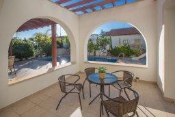 Терраса. Кипр, Ионион - Айя Текла : Прекрасная вилла с бассейном и двориком с барбекю, 3 спальни, 2 ванные комнаты, парковка, Wi-Fi