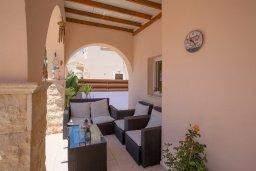 Патио. Кипр, Ионион - Айя Текла : Уютная вилла с бассейном и двориком с барбекю, 2 спальни, 2 ванные комнаты, парковка, Wi-Fi