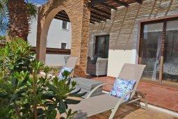 Патио. Кипр, Ионион - Айя Текла : Уютная вилла с 3-мя спальнями, 3-мя ванными комнатами, тенистой террасой с патио и барбекю, расположена в закрытом комплексе с бассейном