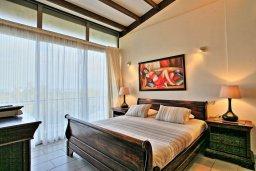 Спальня. Кипр, Лачи : Современная и просторная вилла с панорамным видом на море, с 3-ми спальнями, бассейном, фантастической террасой с lounge-зоной и барбекю