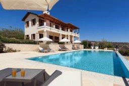 Фасад дома. Кипр, Афродита Хиллз : Роскошная вилла с бассейном и видом на море, 4 спальни, 2 ванные комнаты, барбекю, настольный теннис, парковка, Wi-Fi