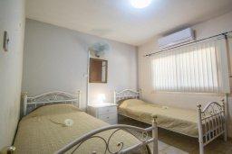 Спальня 2. Кипр, Центр Айя Напы : Апартамент в центре Айя Напы с гостиной, двумя спальнями и балконом