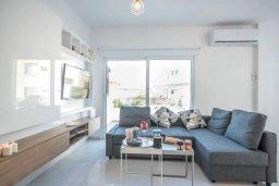 Гостиная. Кипр, Авгору : Двухуровневый апартамент с гостиной, двумя спальнями и террасой на крыше