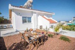Терраса. Кипр, Авгору : Двухуровневый апартамент с гостиной, двумя спальнями и террасой на крыше