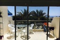 Балкон. Кипр, Корал Бэй : Таунхаус в комплексе с бассейном, 2 спальни, балкон с видом на море