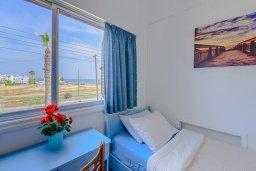 Спальня 2. Кипр, Декелия - Ороклини : Апартамент с гостиной, двумя спальнями и балконом с видом на море