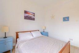 Спальня. Кипр, Декелия - Ороклини : Апартамент с гостиной, двумя спальнями и балконом с видом на море