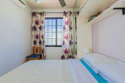 Спальня 2. Кипр, Декелия - Ороклини : Апартамент с гостиной, двумя спальнями и большим балконом с видом на море