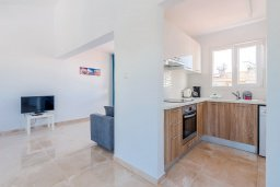 Кухня. Кипр, Декелия - Ороклини : Апартамент с гостиной, отдельной спальней и балконом