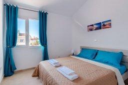 Спальня. Кипр, Декелия - Ороклини : Апартамент с гостиной, отдельной спальней и балконом