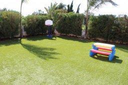 Территория. Кипр, Пернера Тринити : Прекрасная вилла с бассейном и зеленым двориком с барбекю, 3 спальни, парковка, Wi-Fi