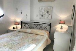 Спальня. Кипр, Паралимни : Двухэтажный таунхаус в комплексе с бассейном, 3 спальни, 2 ванные комнаты, парковка, Wi-Fi